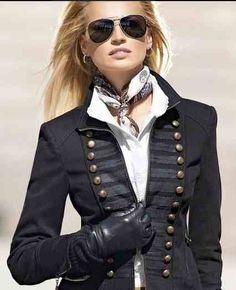 Great military crossed with or older era style Ralph Lauren, Military inspired jacket. Fashion Mode, Look Fashion, Winter Fashion, Womens Fashion, Fashion Trends, Looks Style, Looks Cool, Style Me, Classic Style