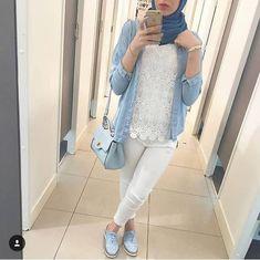 Modern and fashionable hijab outfits - Modern and fashionable hijab outfits – Just Trendy Girls: www. Casual Hijab Outfit, Hijab Chic, Hijab Dress, Casual Outfits, Modern Outfits, Dress Skirt, Modern Hijab Fashion, Muslim Women Fashion, Modest Fashion