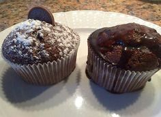 Madalenas de chocolate hechas con la receta y preparado de www.panipostrencasa.es Muffin, Chocolate, Breakfast, Food, Recipes, Morning Coffee, Chocolates, Eten, Cupcakes