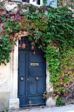 A door in Provence.