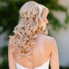 Here are some awesome half up half down hairstyles which are in trend and…