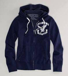 I loveeee hoodies and zip-ups.