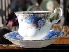 Royal Albert, moonlight Rose, 1987 Teacup, Tea Cup and Saucer, England 13264