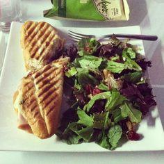 grilled chicken salad & chips