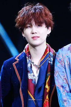 """Red wine/auburn hair yoongi - a very LONG thread"" Bts Suga, Min Yoongi Bts, Bts Bangtan Boy, Daegu, Agust D, Korean Boy Bands, South Korean Boy Band, Mixtape, V Bts Cute"