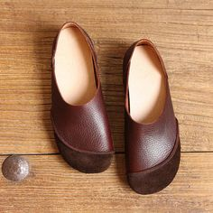 Shoe Type: Flat Shoes Toe Type:Round Toe Closure Type: Slip On Heel Type:Flat Heel Height: 1.5cm Gender: Female Occasion: Casual,Work Season: Spring,Summer,Autumn Color: Black,Brown,Coffee Material: Upper Material: Leather Outsole Material: Rubber Package included: 1*pair of shoes(without box) Please Note: 1.Please see the Size Reference to find the correct size. 2.The size of these shoes are smaller than ordinary, we suggest buying a bigger one size.