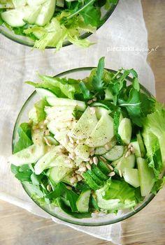 Zielona sałatka z rukolą i ogórkiem | Słodkie Przepisy Kulinarne