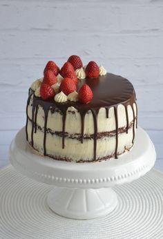 Epres brownie torta, félig pucér csurgatott torta