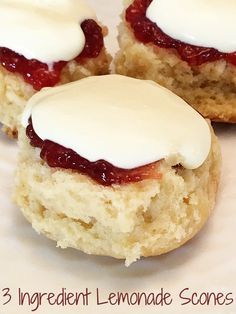 Fabulous 3 Ingredient Lemonade Scones with Slow Cooker Recipe version A simple Lemonade Scone recipe with just 3 ingredients! Includes directions for cooking in the slow cooker - the result, a deliciously moist scone! Slow Cooker Desserts, Slow Cooker Cake, Slow Cooker Gammon, 3 Ingredient Scones, 3 Ingredient Recipes, 3 Ingredient Cookies, Dessert Simple, Baking Recipes, Cake Recipes