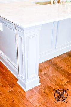 Want to Upgrade Your Kitchen Island? This is a super quick, inexpensive, easy weekend project, that provides a lot of character to an otherwise basic kitchen island by adding picture frame molding. Kitchen Island Molding, Kitchen Island Upgrade, Diy Kitchen Cabinets, Kitchen Redo, Kitchen Remodel, Kitchen Design, Kitchen Corner, Kitchen Ideas, Painting Kitchen Countertops
