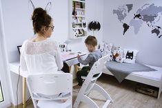 pokój dziecięcy, pokój dla chłopca White Nursery, Girl Nursery, Nursery Decor, Monochrome Bedroom, Kids Toys, Toddler Bed, Sweet Home, Desk, Black And White