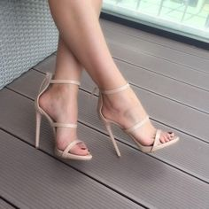Comfortable Pumps Shoes Heels has never been so Unique! Discover more about Amazing Comfortable Pumps Shoes Heels and find your shoes fashion Today. Cute Heels, Lace Up Heels, Sexy High Heels, Classy Heels, Stilettos, Pumps Heels, Stiletto Heels, Heeled Sandals, Prom Heels
