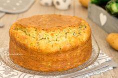 La torta 10 vasetti alle patate zucchine e speck è una torta allo yogurt salata sofficissima e velocissima, senza lievitazione!