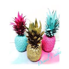 Piñas pintadas para decorar un candy bar de una boda preciosa. Luau Party Decorations, Party Themes, Rainbow Room Kids, Summer Special, Tropical Party, Pineapple, Kids Room, Celebrity Chef, Diy Crafts
