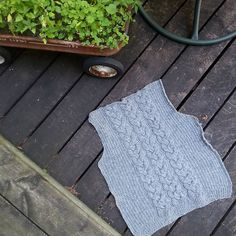 Ravelry: JuliaRosalinda's Grey Cabled Cardigan