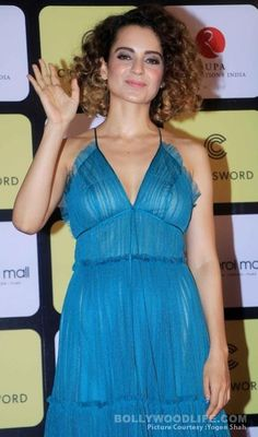 Kangana Ranaut's fashion game at the launch of Chetan Bhagat's novel One Indian Girl DISAPPOINTS - view HQ pics!