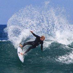 Mick Fanning carving it up at Bells  #australia #beach #canon #canonaustralia #destination_nsw #redhotshotz #redhotshotzsportsphotography #surf #surfphotography #surfporn #surfinglocations #froth #waves #rippingit #surflords #auusie #australian #actionphotography #sportsphotography #throwingbuckets #wsl #surfart #surflife #surf_shots  #bellsbeach #greatoceanroad #visitgreatoceanroad @surflords @surfvisuals @greatoceanroad by red_hot_shotz