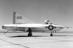 Convair (originally designated was an early American delta wing aircraft. Originally conceived as a point-defence interceptor Military Jets, Military Aircraft, Air Fighter, Fighter Jets, Plane And Pilot, Delta Wing, Airplane Design, Experimental Aircraft, Aircraft Design