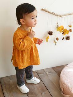 Blouse brodée bébé fille orange - Romantique ! La blouse accumule les  détails   broderie fine 09df43e94bf