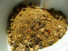 Bo-Kaap Cape Malay Curry Powder - South African Spice Mixture Read more… Homemade Seasonings, Homemade Spices, Homemade Curry, South African Recipes, Indian Food Recipes, Africa Recipes, Spice Blends, Spice Mixes, Mixture Recipe