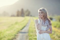 The face behind KME: a lifestyle session with [stu-di-o] jeanie - Kailey-Michelle Events #headshots #vancouver #weddingplanner #vintagewedding #country #naturallight
