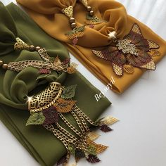 Moda Emo, Hijab Outfit, College Girls, Bandana, Tatting, Bridal, Needlework, Diy And Crafts, Boho