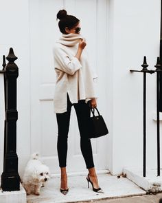 Cozy & Casual Office Outfits For Winter 38 - Fashion Moda 2019 Fashion Mode, Work Fashion, Fashion Black, Classic Womens Fashion, Retro Fashion, Fashion Basics, Fashion 2017, 90s Fashion, Fall Winter Outfits
