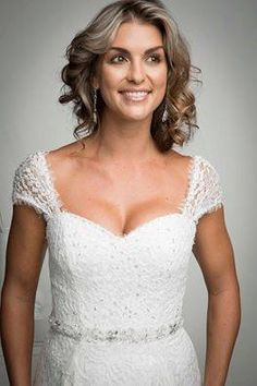 Are you looking for the best Bridal Shop in Atlanta and surrounding areas? Look to further!  Carrie's Bridal Collection is the preferred location for stylish, high quality dresses all at an affordable price!  Visit us at http://carriesbridalcollection.com/ to book your appointment today!
