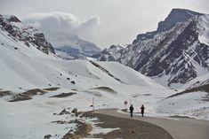 #INVIERNO #MENDOZA #MONTAÑA #ACONCAGUA Mendoza, Mount Everest, Tours, Nature, Travel, Scenery, Mountain Range, Adventure, Winter