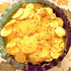 High carbon steel is usually thought about the finest performer, but can blemish with use, although this is simply cosmetic. Scalloped Potatoes And Ham, Scalloped Potato Recipes, Ham Recipes, Great Recipes, Snack Recipes, Instant Pot Ham Recipe, Carrots Side Dish, Creamed Onions, Pressure Cooker Recipes