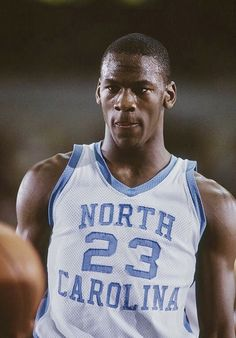 This is the first time UNC-Duke have played on Michael Jordan's birthday. Michael Jordan Unc, Michael Jordan Basketball, Michael Jordan Birthday, Michael Jordan North Carolina, Michael Jordan Pictures, Mvp Basketball, Basketball Pictures, Basketball Legends, College Basketball