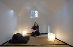 UI prof builds meditation hut for his wife in backyard