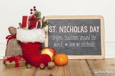The Tradition of St. Nicholas Day Around the World (December St. Nicholas Day is celebrated on December and traditionally, this is when children left shoes out and received small treats from this historical saint. Old Fashion Christmas Tree, Christmas Tree Wreath, Retro Christmas, Family Christmas, Christmas Crafts, Country Christmas, Simple Christmas, Christmas Christmas, Christmas Decorations