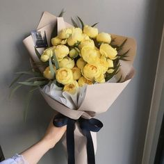 something special ♡ How To Wrap Flowers, All Flowers, Paper Flowers, Beautiful Flowers, Beautiful Flower Arrangements, Floral Arrangements, Flower Packaging, Luxury Flowers, Flower Aesthetic