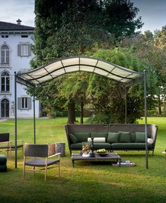 ERMITAGE - Self-supporting pergola / wall-mounted / galvanized iron / polycarbonate canopy by Unopiù White Pergola, Metal Pergola, Pergola With Roof, Pergola Shade, Pergola Patio, Pergola Kits, Backyard, Pergola Ideas, Patio Ideas