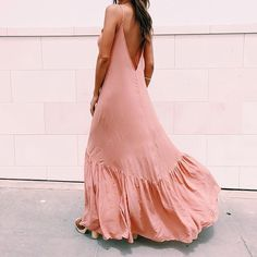 Gorgeous color and love the flowy bottom on this dress Definitely a romantic boho look Look Hippie Chic, Boho Chic, Gypsy Style, Boho Fashion, Womens Fashion, Fashion Beauty, Pink Fashion, Dress Fashion, Fashion Clothes