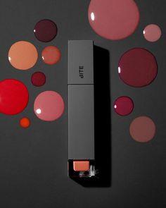 いいね!81.4千件、コメント189件 ― Sephoraさん(@sephora)のInstagramアカウント: 「New formula, who dis? Check out new, moisturizing @BiteBeauty Amuse Bouche Liquified Lipstick in…」