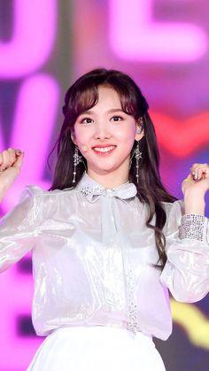 South Korean Girls, Korean Girl Groups, Twice Korean, Nayeon Twice, Fandom, Twice Kpop, Im Nayeon, Queen, The Most Beautiful Girl