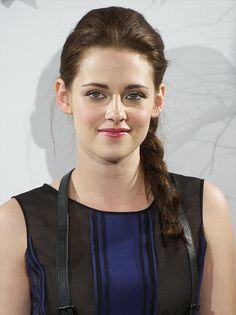 Celebrity Lookbooks: Kristen Stewart at Snow White and the Huntsman Photocall, Madrid