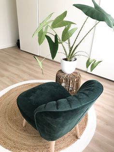 Living Room Rug On Carpet Bohemian 53 Ideas For 2019 Wall Painting Living Room, Interior Paint Colors For Living Room, Living Room Decor Cozy, Living Room Chairs, Rugs In Living Room, Bedroom Decor, Room Rugs, Rugs On Carpet, Room Inspiration