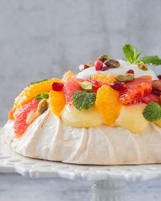 This Winter Citrus Pavlova with Grapefruit Curd recipe is featured in the Gluten Free Desserts feed along with many more. Baking Recipes, Dessert Recipes, Salad Recipes, Trifle Desserts, Raw Desserts, Dessert Food, Gf Recipes, Summer Desserts, Grapefruit Curd