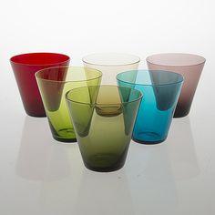 KAJ FRANCK, Six mid century 'Kartio' 2744 drinkin glasses, in 'Toive' boxby Kaj Franck, Nuutajärvi Finland. Glass Design, Design Art, Glass Ceramic, Bukowski, Vintage Glassware, Pint Glass, Tumblers, Modern Contemporary, Glass Art