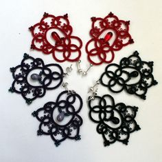 Handmade earrings, unique desing, lace with beads.