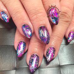 Gel nails #pointynails #gelnails #nailfoils