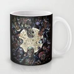 Zombies attack (zombie circle horde) Mug