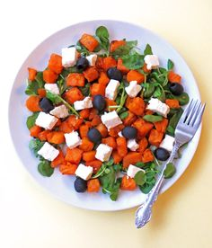Roast sweet potatoes straight from the oven, salty feta cheese and tangy black olives combine to make a healthy and tasty vegetarian salad dish!