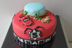 Cars cake with lightning mcqueen