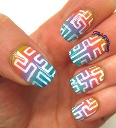 Gradient Maze.. I LIKE THE MIDDLE FINGER NAIL CUZ IT LOOKS LIKE A CROSS.. N DRAW THE MAZE AROUND THE CROSS WUD BE COOL
