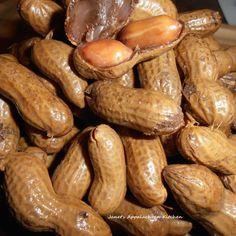 Crock Pot Cajun Hot Boiled Peanuts