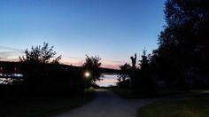Rzeźba Neptuna nad Jeziorem Durowskim o zachodzie słońca. #wagrowiec #wielkopolska #polska #poland #jeziorodurowskie #lake #plaza  #wągrowiec #sunset #neptun